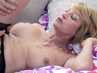 Grown-up slut mammy suck and fuck young guy