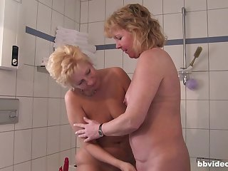 Short haired blonde mature BBW babes make one guy extremely filch