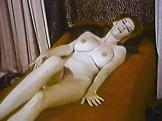 THE Appear OF LOVE - vintage striptease chubby interior & lingerie