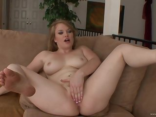 Chubby babe Alonna Red amazing sex video