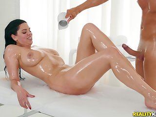 A rub-down turns to rough sex denouement horny therapeutist and Kira VIP