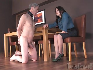 Strict bitch Mistress Lola punishes her submissive man and make shim lick and suck feet