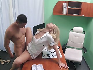 Hot mollycoddle has a young relegate in her medicinal exam room and does what feels good