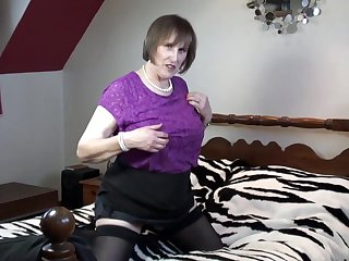 Allison is a chunky titted housewife who likes to screw around at hand sex toys, till the end of time single day