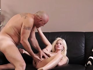 Old piss first time Horny blond wants near strive someone lil'