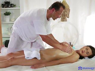 Amateur receives at hand than massage from an senior masseur