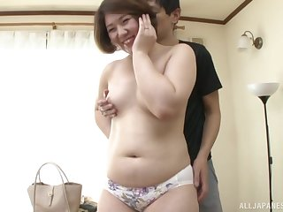 Tyro Japanese mature Kimura Youko takes retire from her underpants to ride