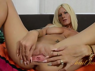 Olivia Blu solo - underfed blonde old lady distension pussy close up